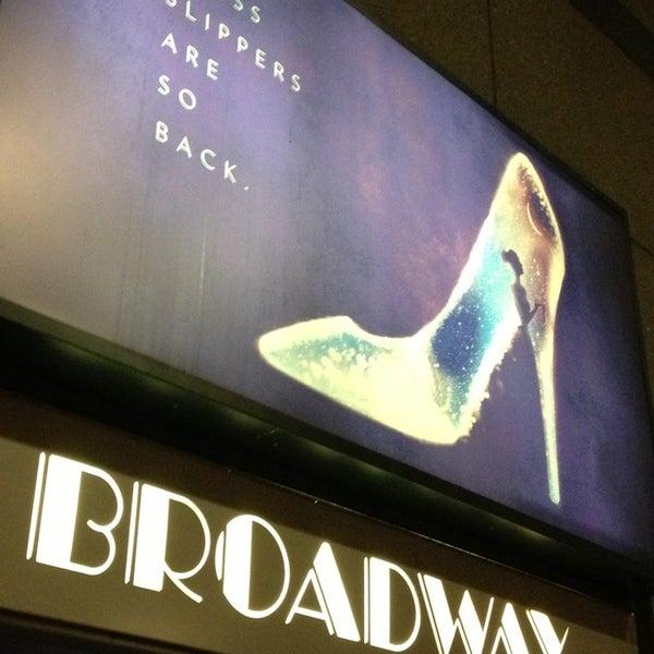 2/6/2013にMichael B.がBroadway Theatreで撮った写真