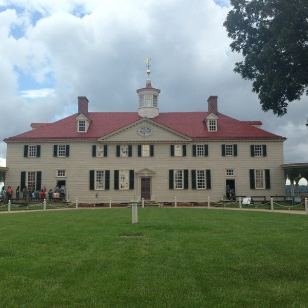 Photo taken at George Washington's Mount Vernon by Miss Grace on 7/4/2013