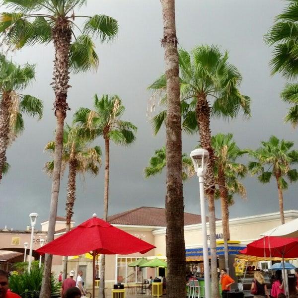 Photo taken at Orlando Vineland Premium Outlets by Gustavo B. on 7/1/2013