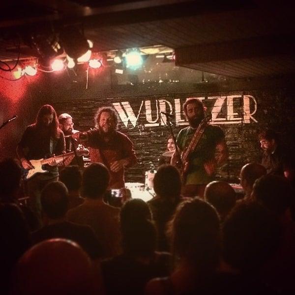 Foto tomada en Wurlitzer Ballroom por Andrés C. el 6/5/2015