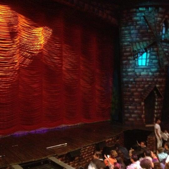 Foto tirada no(a) Teatro Aldama por Gabriel D. em 11/26/2012