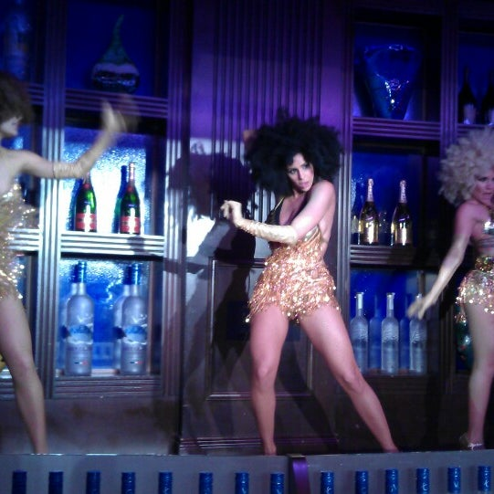 Photo taken at Blue Martini Brickell by Smarty Pants :} on 3/31/2013