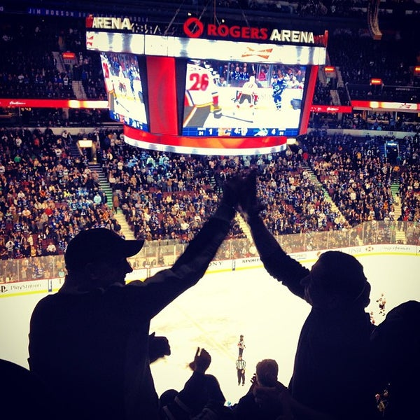 Photo taken at Rogers Arena by Martin T. on 2/10/2013