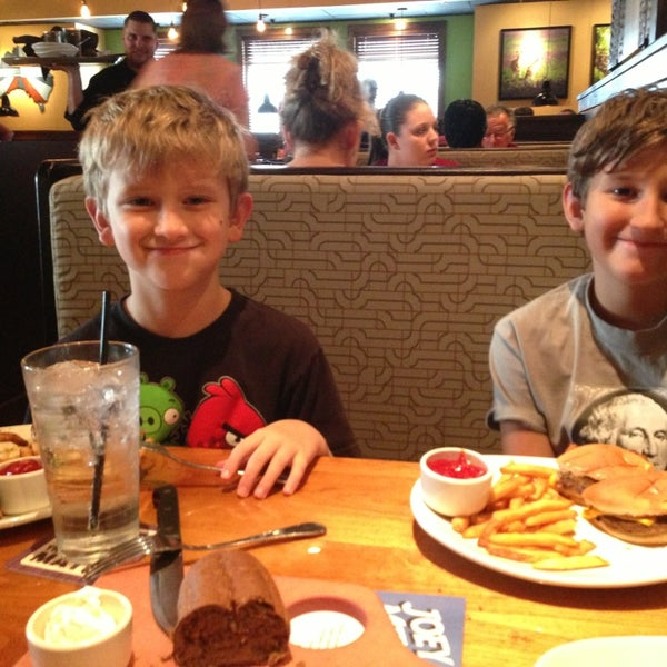 Photo taken at Outback Steakhouse by Clarissa S. on 8/18/2013