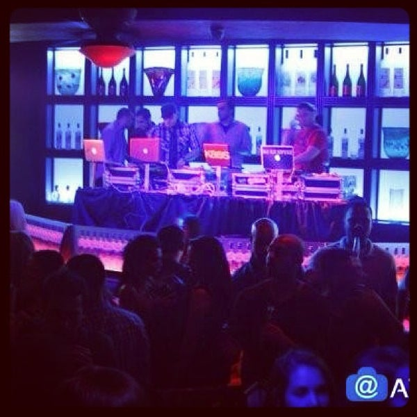 Photo taken at Blue Martini Brickell by Ariel G. on 3/16/2013