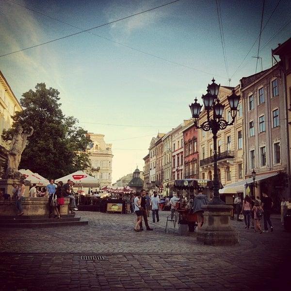 Снимок сделан в Площадь Рынок пользователем Oleksandr Y. 6/9/2013