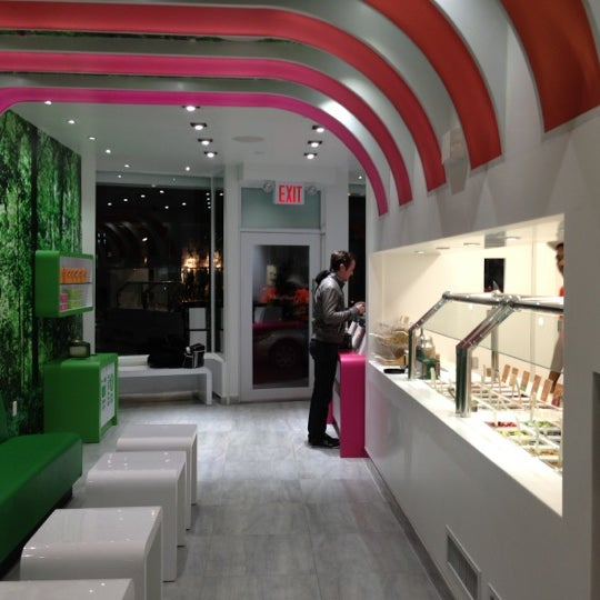 Photo taken at 16 Handles by Max S. on 12/13/2012