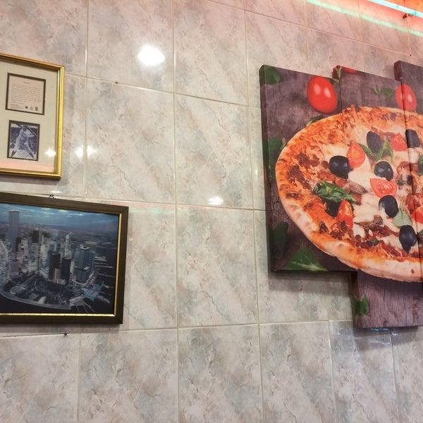Photo taken at Antonio's Pizzeria by Max S. on 3/9/2015