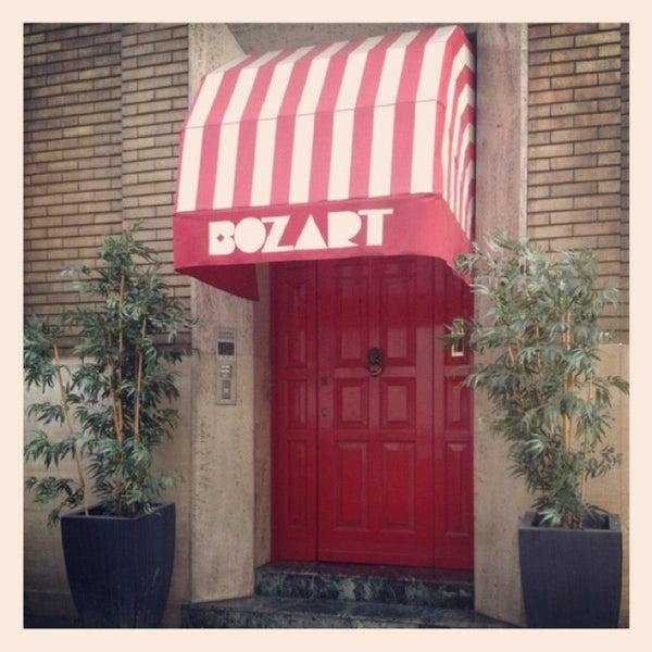 รูปภาพถ่ายที่ Bozart Showroom โดย Alessandra L. เมื่อ 1/7/2013