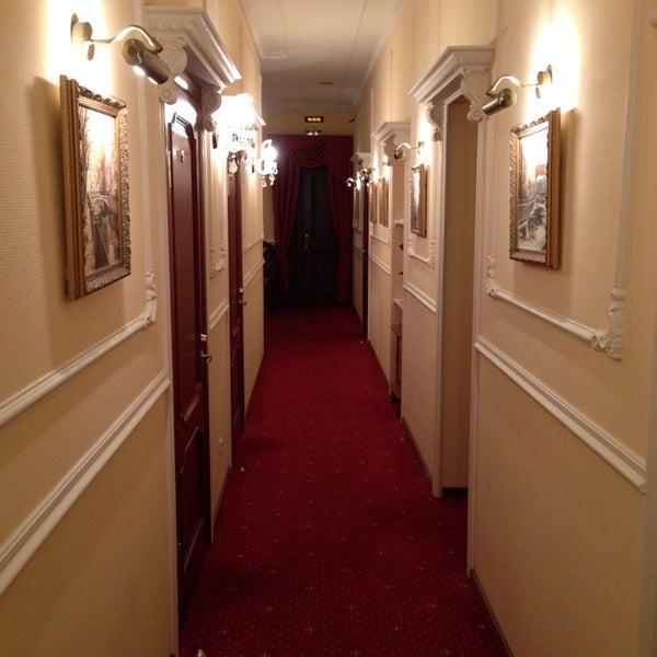 Снимок сделан в Арт-Отель Радищев пользователем Vladimir💉 R. 11/4/2013