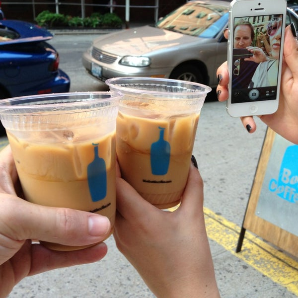 Снимок сделан в Blue Bottle Coffee пользователем Kirk M. 7/7/2013