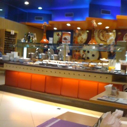 Photo taken at Confeitaria Romana by Diego M. on 10/20/2012