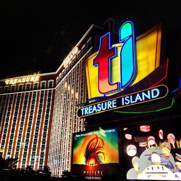 Photo taken at Treasure Island - TI Hotel & Casino by Rodrigo Erse M. on 2/5/2013