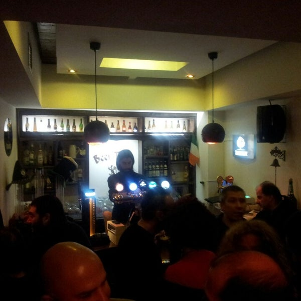 Photo taken at Beer Tales by Yiannis O. on 12/14/2013
