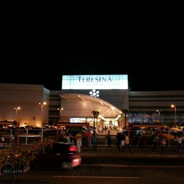 Foto tirada no(a) Teresina Shopping por Herbert S. em 8/2/2013