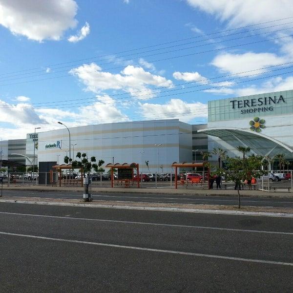 Foto tirada no(a) Teresina Shopping por Herbert S. em 7/19/2013