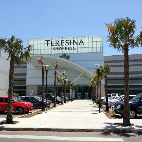 Foto tirada no(a) Teresina Shopping por Herbert S. em 10/3/2013