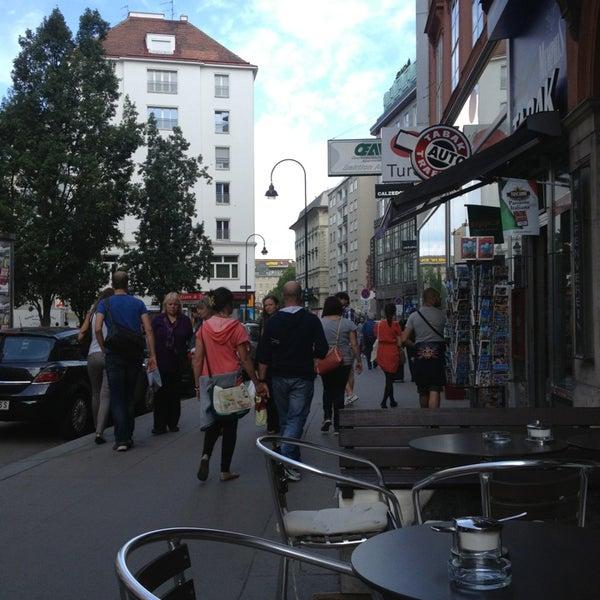 Das Foto wurde bei Café Daniel Moser von ArtNat I. am 8/30/2013 aufgenommen
