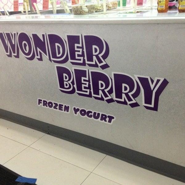Photo taken at Wonder Berry by Jessikita L. on 12/31/2012