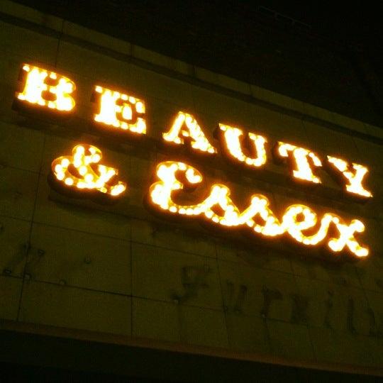 12/13/2012 tarihinde Kate P.ziyaretçi tarafından Beauty & Essex'de çekilen fotoğraf