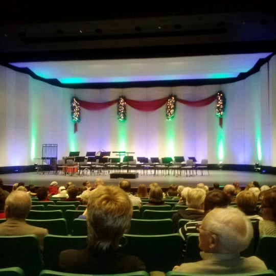 Foto scattata a Yavapai College Performance Hall da Johnny F. il 12/2/2012