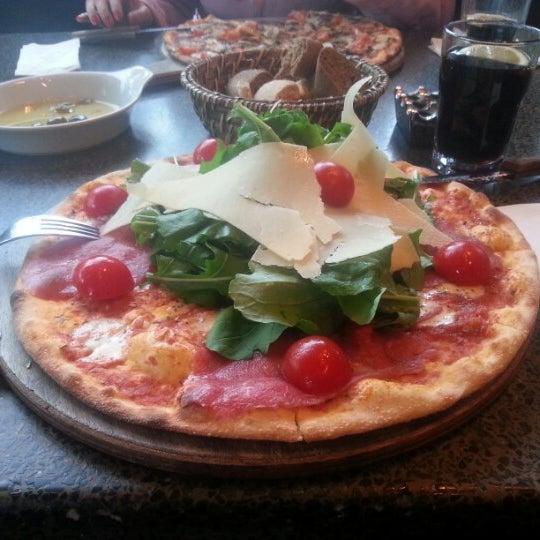 1/28/2013 tarihinde Coşkun B.ziyaretçi tarafından Faros Restaurant'de çekilen fotoğraf