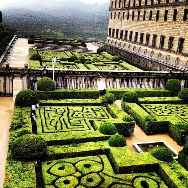 Photo taken at Monasterio de San Lorenzo de El Escorial by Iván R. on 10/30/2012