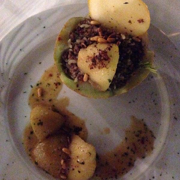Location molto curata e chic, cucina ottomana ricercata che propone accostamenti inediti. Stupefacente rapporto q/p! Consigliatissimo per una cena romantica!