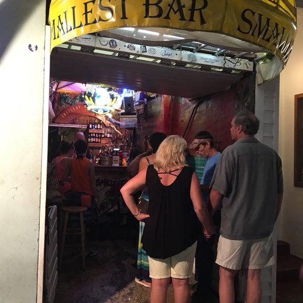 Photo taken at Smallest Bar by Shailesh G. on 4/7/2017
