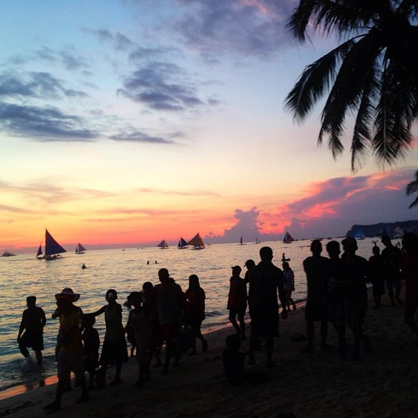 Where's Good? Holiday and vacation recommendations for Boracay Island, Philippines. What's good to see, when's good to go and how's best to get there.