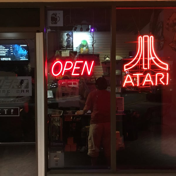 Photo taken at Player 1 Video Game Bar by Eduardo C. on 3/31/2017