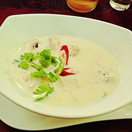 Das Foto wurde bei Sri-Thai von Victoria B. am 9/27/2012 aufgenommen