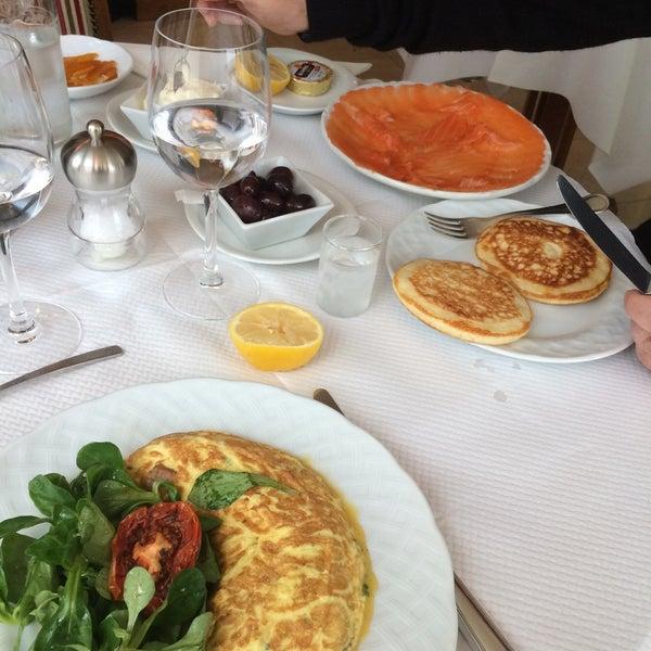 La maison du caviar french restaurant in paris - Maison du caviar paris ...