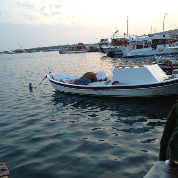 5/10/2013 tarihinde Mirel M.ziyaretçi tarafından Cunda Deniz Restaurant'de çekilen fotoğraf