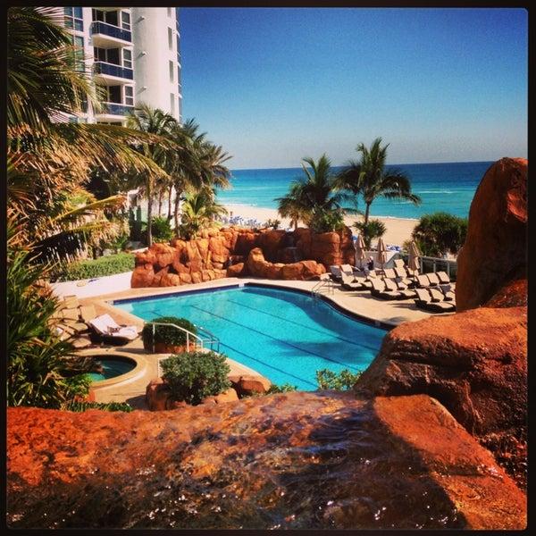 Image Of Sunny Arizona Pools: Poolside @ Trump International Beach Resort