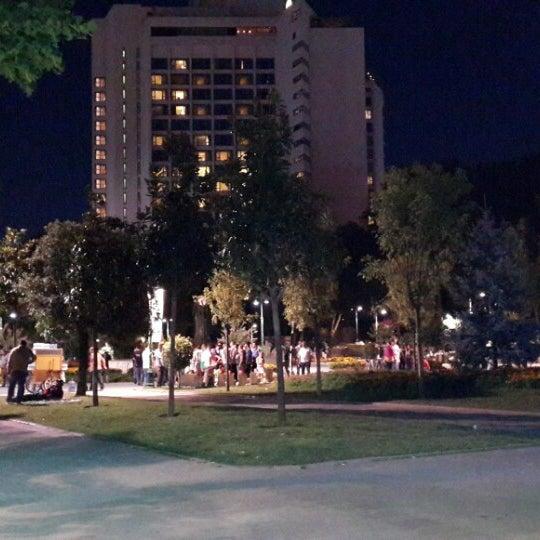 7/22/2013にBahaがTaksim Gezi Parkıで撮った写真