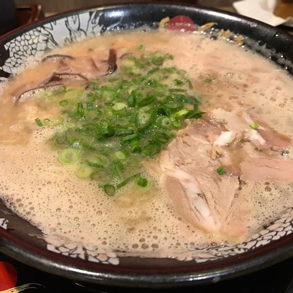 Photo taken at Hakata Ikkousha by Satoshi Y. on 12/27/2016