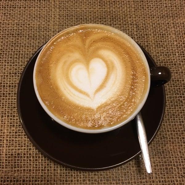 Foto tirada no(a) Sweet Cup por Simon V. em 2/1/2017