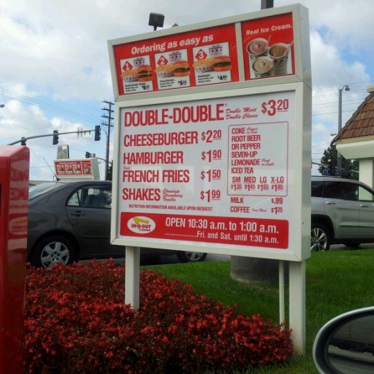 Photo taken at In-N-Out Burger by Tommy D. on 10/22/2012