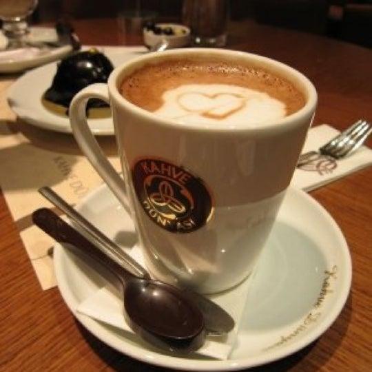 Das Foto wurde bei Kahve Dünyası von 'Mucahit G. am 11/22/2012 aufgenommen