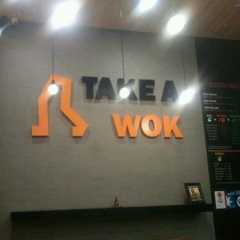Foto tomada en Take a Wok por Hayer 432 D. el 4/10/2013