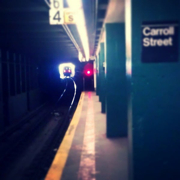 Photo taken at MTA Subway - Carroll St (F/G) by Darius A. on 3/25/2013