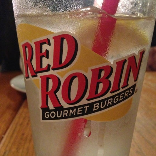Photo taken at Red Robin Gourmet Burgers by Missy A. on 11/17/2012