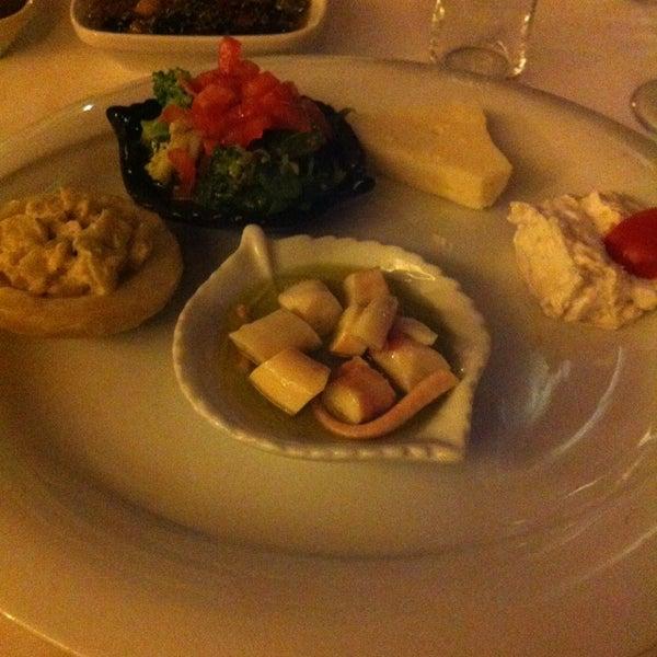 4/12/2013 tarihinde Olgu m.ziyaretçi tarafından Kalkan Balık Restaurant'de çekilen fotoğraf