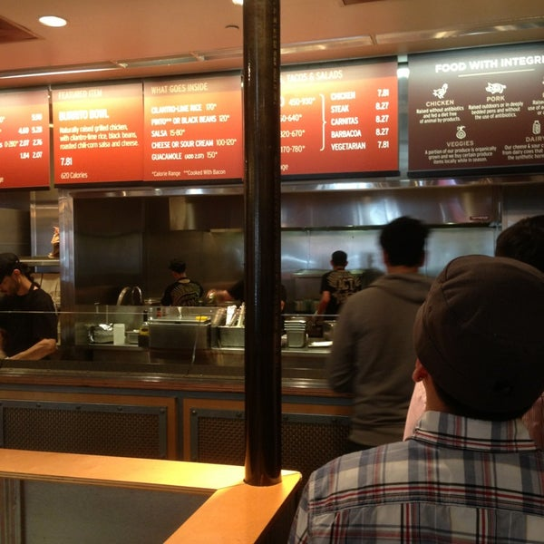 Photo taken at Chipotle Mexican Grill by Chris H. on 4/9/2013