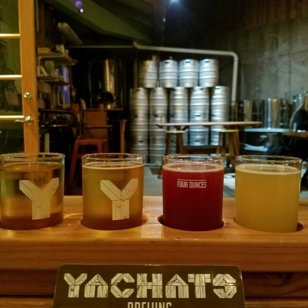 Photo taken at Yachats Brewing + Farmstore by Lesa M. on 3/12/2017