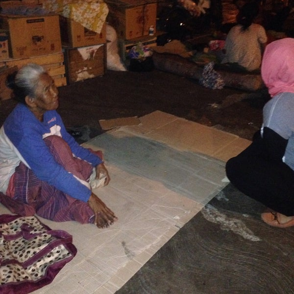 Photo taken at Pasar Asemka by heni r. on 8/13/2015