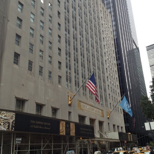 Photo taken at Waldorf Astoria New York by Slean P. on 9/29/2012
