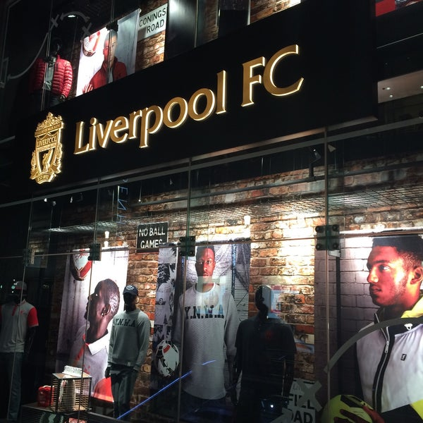 Photo taken at Liverpool FC Official Club Store by Natthapol N. on 10/20/2015