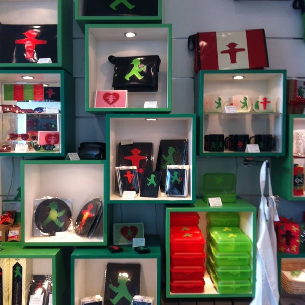 Photo taken at AMPELMANN Shop am Gendarmenmarkt by Ralph M. on 5/4/2013